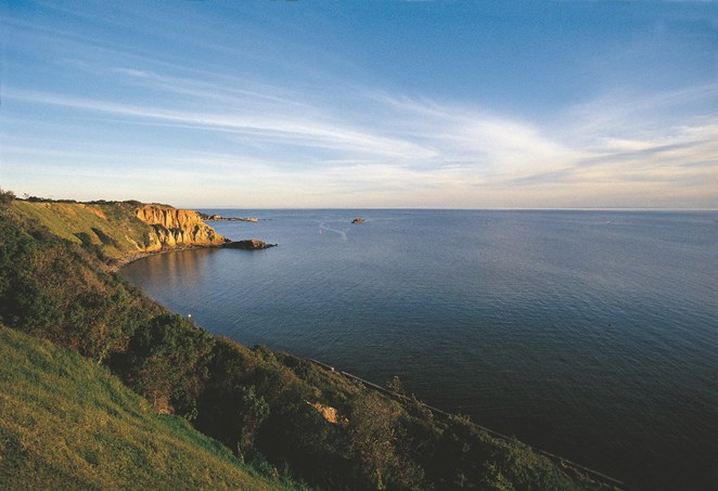 Victoria's Best Road Trips, Around the Bay