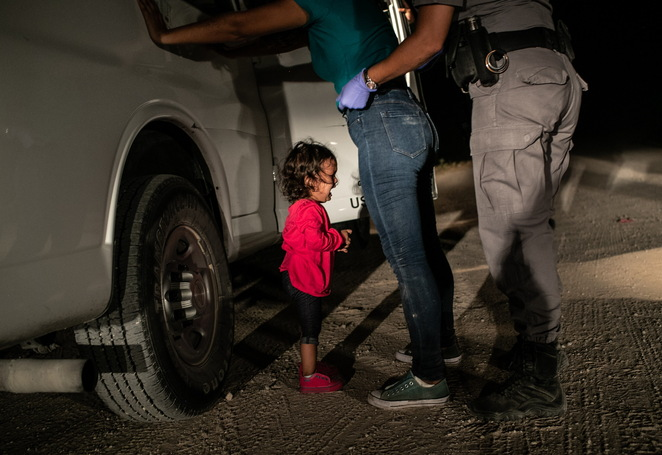 World Press Photo of the Year 2019, Crying girl at the border, John Moore, Getty Images, review by Jade Jackson