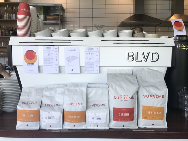 blvd bar and cafe, north lakes, northern suburbs, north brisbane, brisbane, cafe, dog friendly, bar, restaurant, drinks, coffee, breakfast, brunch, cheeseburger