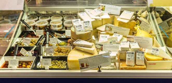 cheese,at,Market,place