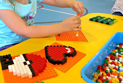 Switch Bricks Lego creation table