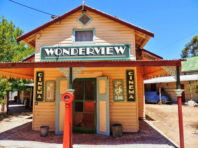 tailem town, ghost adventures, history of south australia, ghost tours, old tailem town, holiday in sa, about south australia, tourism, tailem bend, wonderview cinema