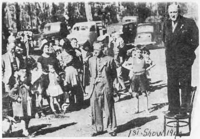 The Minister of Lands, Mr Thorn, opening the first Gidgegannup Show in 1946. Image is from the Gidgegannup Perth Hills website.