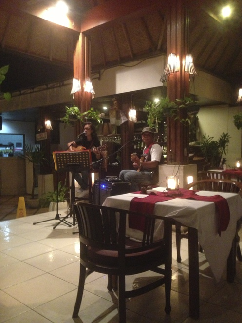 Live music at Mai Mai Restaurant