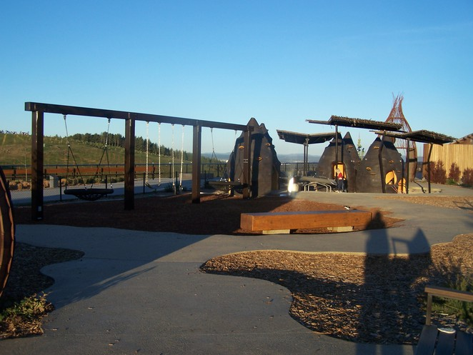 Pod Playground swings and play area