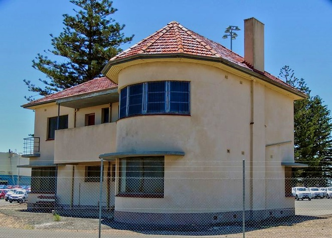 unusual houses of adelaide, strange houses, unusual houses, tree house, weird houses, heritage buildings, houses in adelaide, mansions in adelaide, adelaide apartments, outer harbor