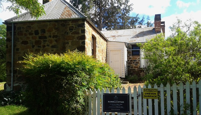 blundells cottage, canberra, canberra tracks, lake burley griffin, history of canberra, limestone plains, tracks, self drives,