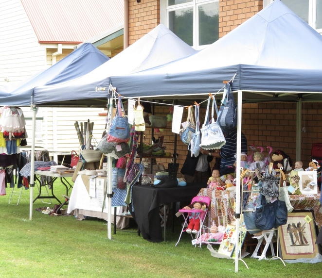 Markets On The Lawn