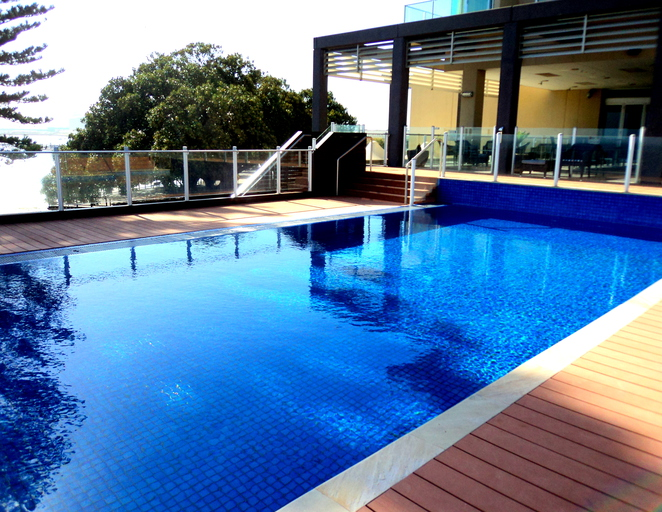 port lincoln pool supplies
