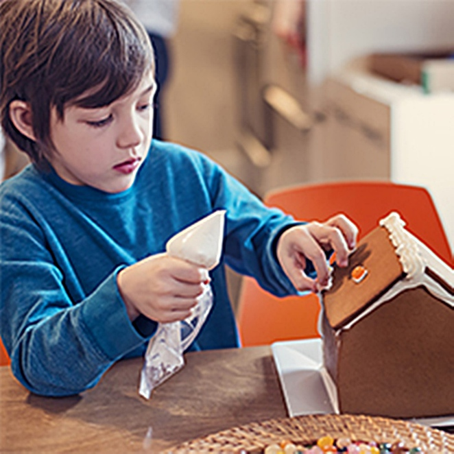 making a gingerbread house, national archives, canberra, ACT, summer school holidays, 2017, january