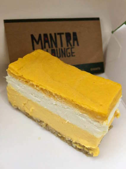 Mango La La slice @ Mantra Lounge Melbourne #BED