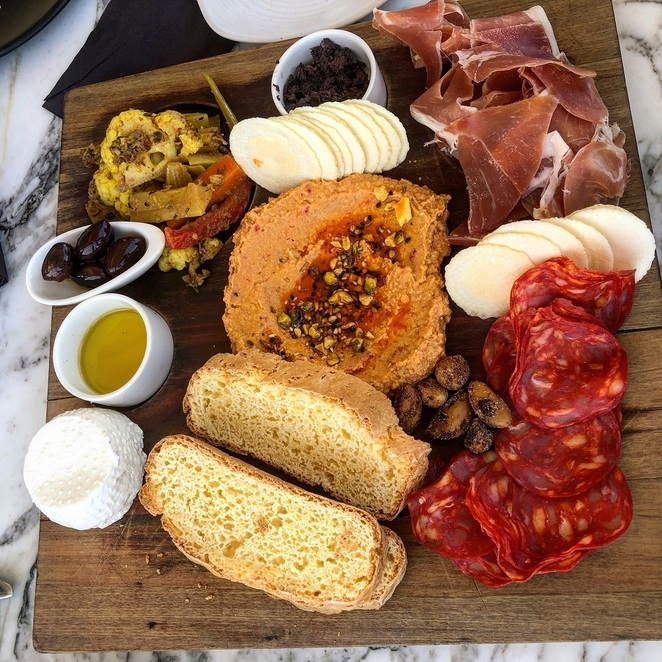 Mezze Platter For Two @ Cable Bay Vineyards (photo by Praneel Lal)