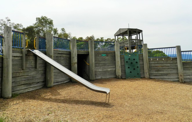 playground, yabbie hill, jells park, wheelers hill, playgrounds in melbourne, climbing wall,