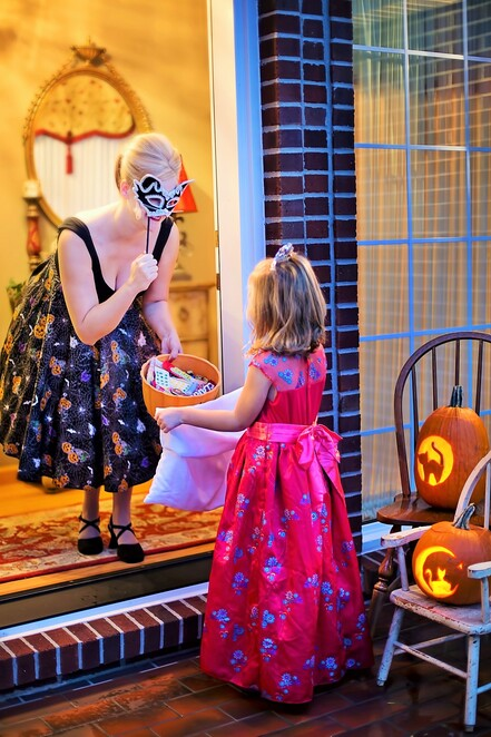 Things to do on Halloween,Halloween ideas,Halloween decorations,Ghost tours,Cemetery tour,Zombie walk,Halloween crafts,Horror movies,Trick or treat,Halloween Melbourne,