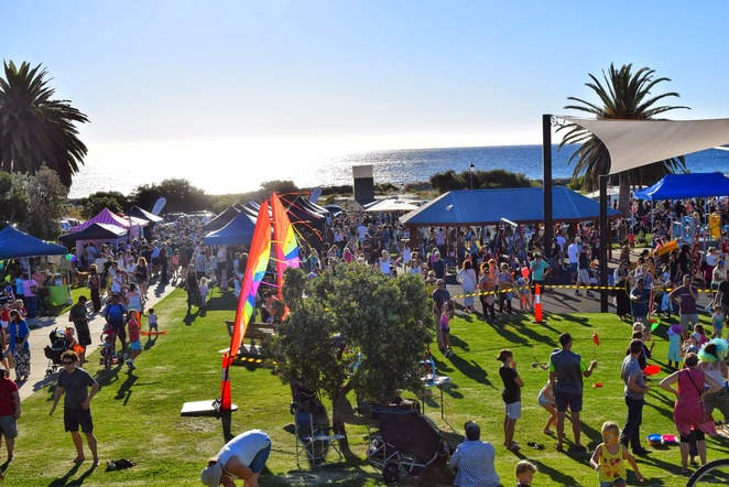 Beach Front Twilight Market, Lollipop Markets, Angus Neill Reserve, Beachfront Twilight Markets, Chimichurri, Food Trucks, Holdfast Bay