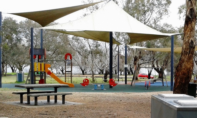 black mountain peninsula, canberra, playgrounds, lake burley griffin, ACT,
