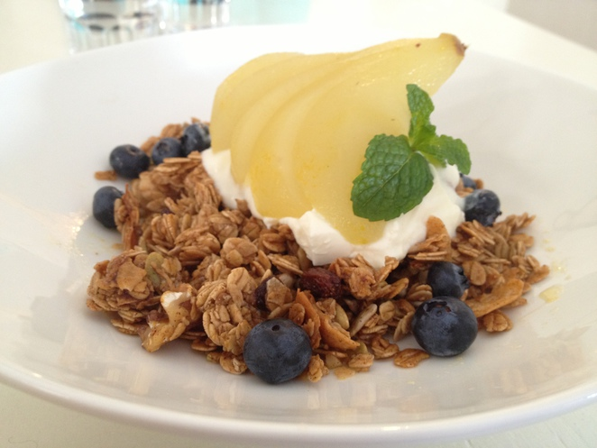 breakfast, cotton tree, muesli, maroochydore, sunshine coast, food, weekend, fun, delicious