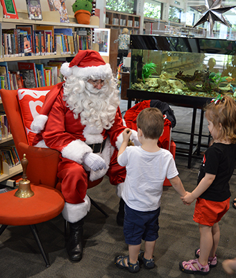 dreaming of a subiaco christmas 2019, merry and bright subiaco 2019, forrest square car park, subiaco town centre, community event, free christmas event, fun things to do, fun for kids, christmas wonderland, santa clause, elves, live performances, entertainment, the steve hensby bnad, randa k, the soul kingdom, artisan markets, kids activities, food and drink, interactive light projection, iconic mural, kid koala playing god and kangaroo, spanish artist okuda san miguel, see subiaco, city of subiaco, festivities, festive season, kid and family friendly, seasonal holiday, markets and fairs, festivals and celebration, art, music and culture