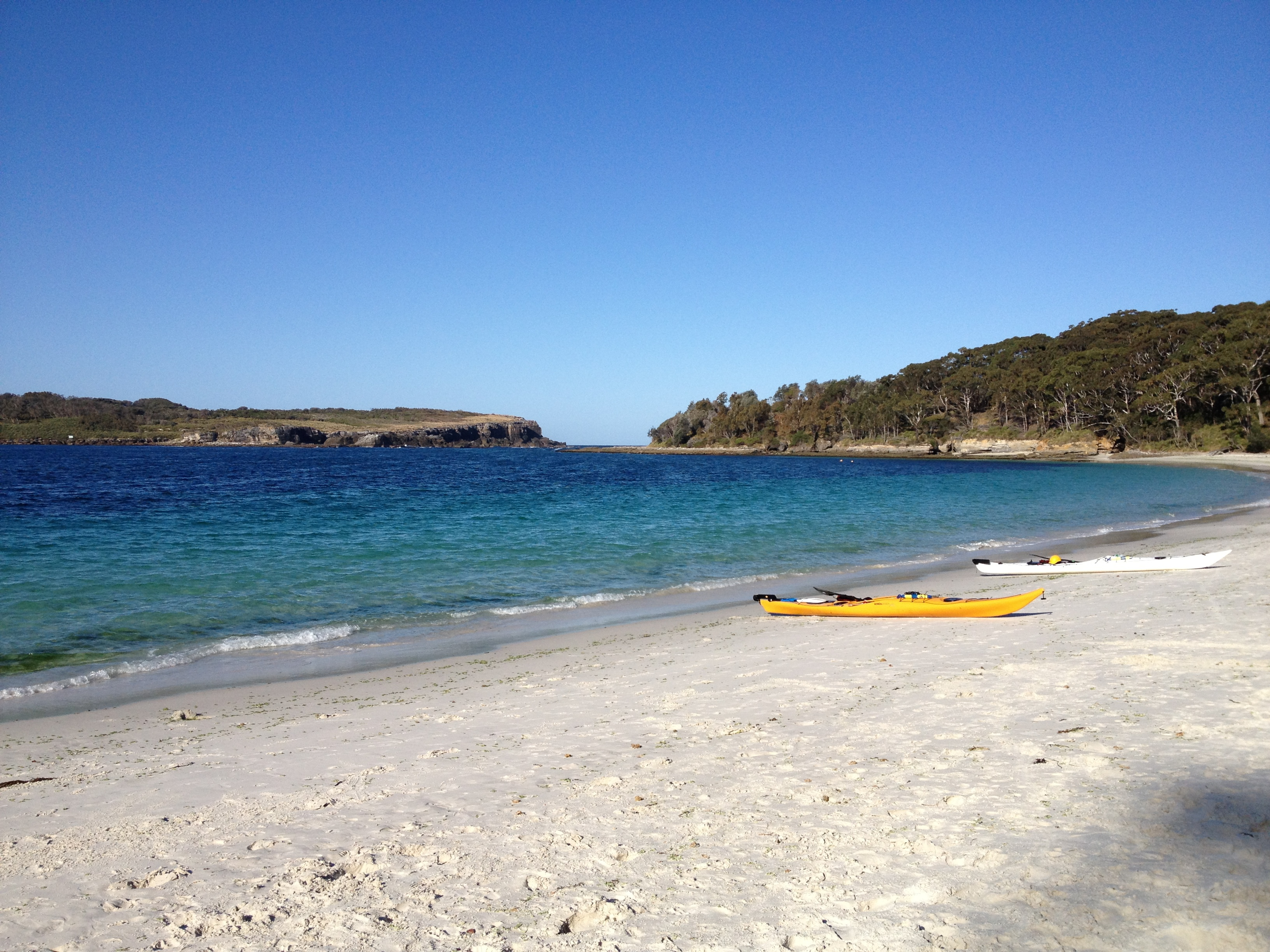 Murrays Beach Has Calm Low Slow Lapping Waves Making This Beach A Very Popular Location For Kayaking And Shallow Swimming Murrays Beach Is Tucked Behind