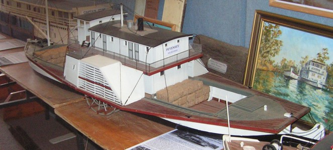Pevensey, paddlesteamer, riverboat, model