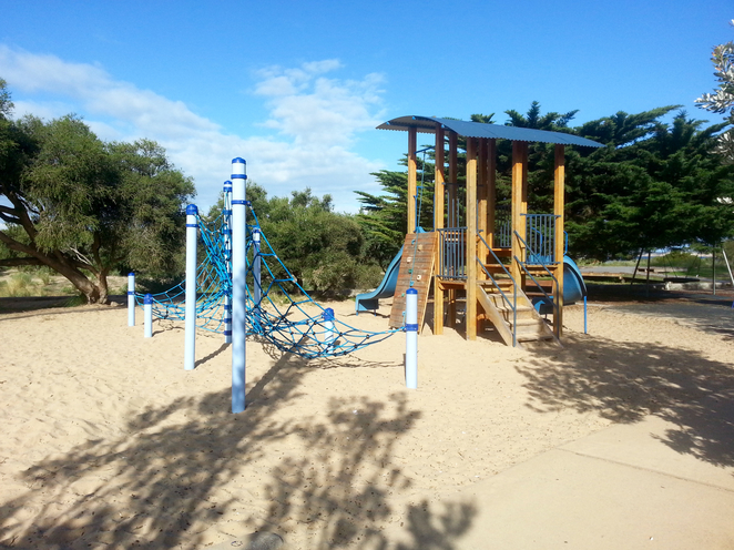 Princess Park, Queenscliffe, Bellarine, Parks, Picnic Spots, Playgrounds, near Geelong, fun for kids, spots for kids, rope climbing, wooden fort, slides,
