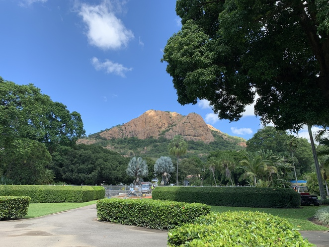 Queens Gardens in Townsville, Castle Hill, Aviary,