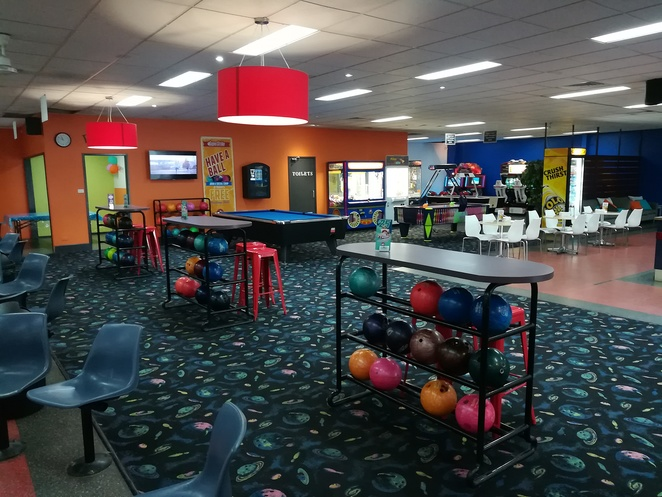 superstrike, salamander bay, tenpin bowling, school holiday activities, leagues, ten pin bowling deals, nelson bay, port stephens, whats on, rainy day, wet weather, hot days, things to do, children, kids, indoor, family friendly, family, toddlers, party venues, christmas party venues, nightlife, night time, date night,