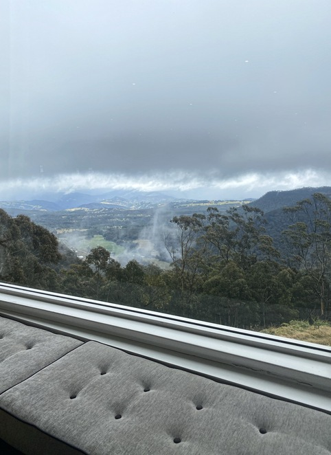 valley view, megalong valley, blue mountains, misty