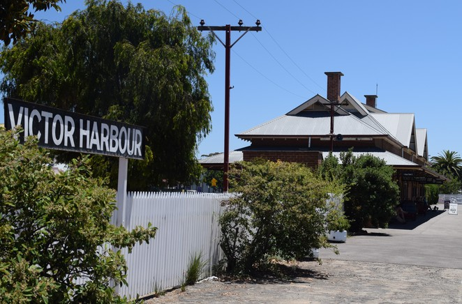 Port Victor, Victor Harbor, Victor Harbour, Granite Island, Causeway, Encounter Bay, Crown Hotel, Anchorage, Smugglers Inn, Horse Drawn Tram, Kaiki Walk