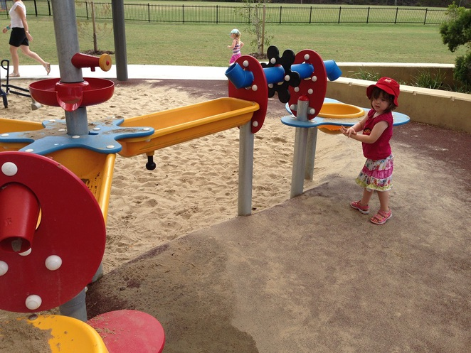 waterplay area at Whites Hill Reserve playground