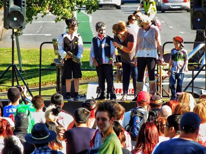 adelaide zombie walk, adelaide zombie walk 2017, zombie walk, in adelaide, rundle park, free, foodbank sa, market stalls, fun for kids, best dressed zombie