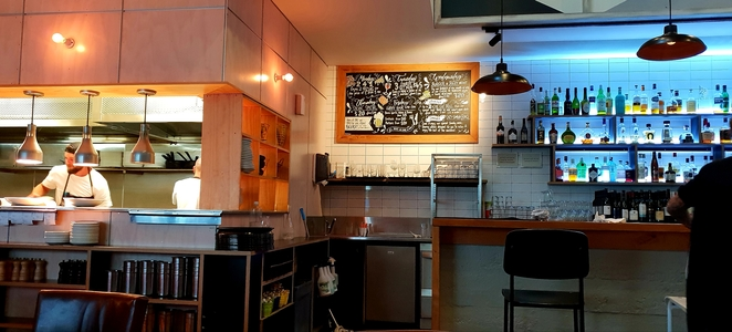 Bar, New Zealand, restaurant, cafe, food,drinks, family, pizza, casual