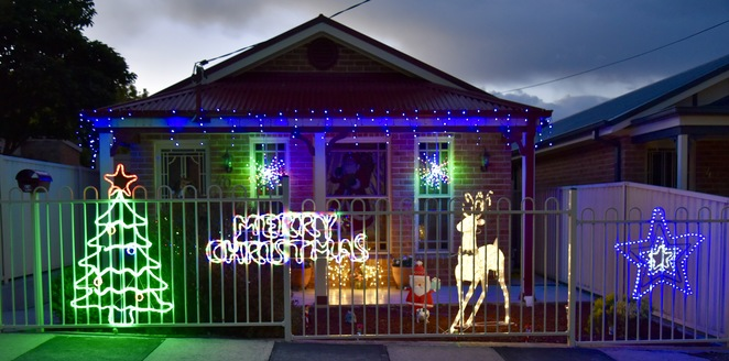 Christmas Lights, Lights in Lithgow, Jade Jackson Photography, Blue Mountains Christmas Lights