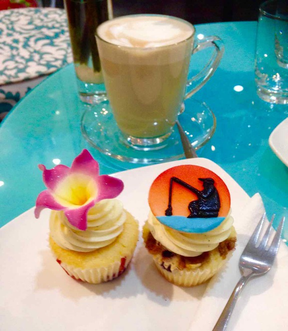 cupcakes, bloom cafe, phnom penh, cake