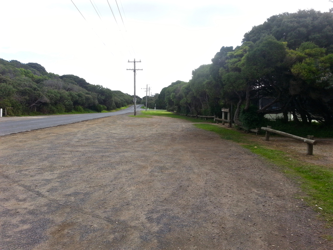 Ganes Reserve, Point Lonsdale, car park, Ocean Road, free parking, gravel carpark, off-street parking,