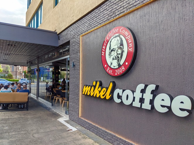 Mikel, Coffee