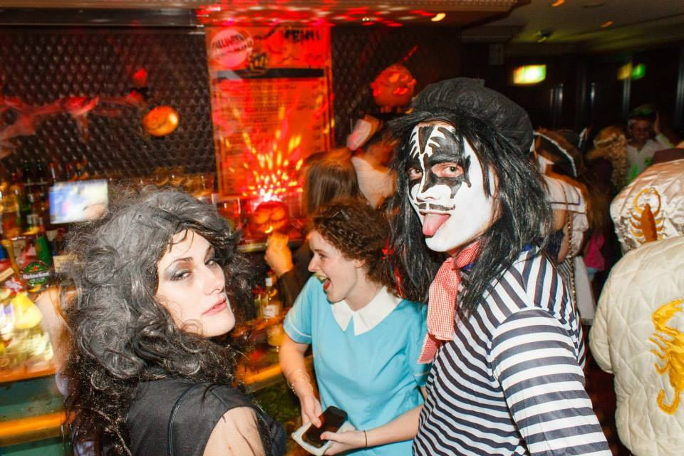 Top halloween events in sydney sydney for Tap tap fish halloween event