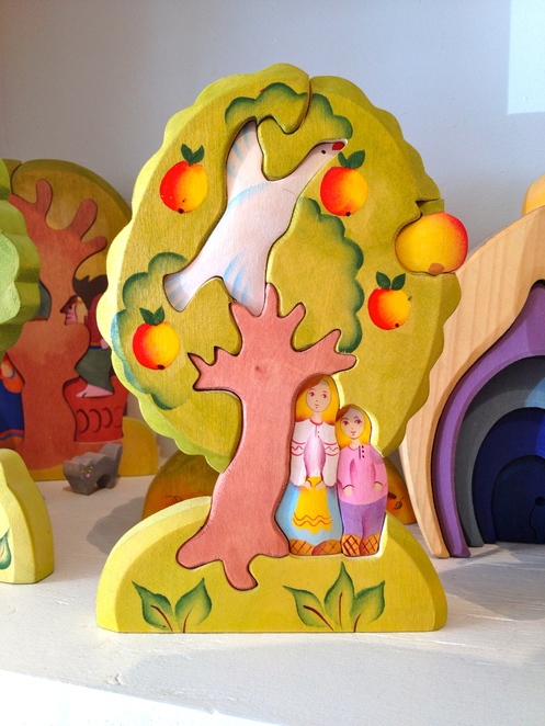 Wooden puzzle toys, toy store, littel sparrow