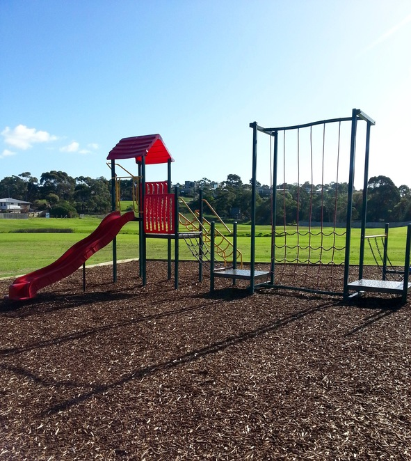 Lake Avenue Reserve, Ocean Grove, Playground