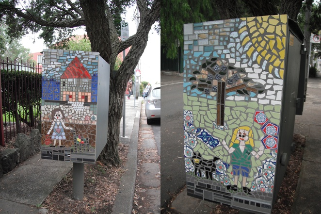 Mosaic art, Newtown