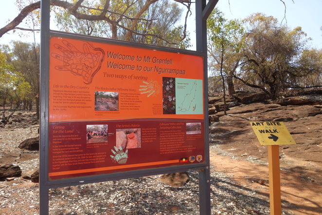 mount,grenfell,aboriginal,rock,art,sign,park,nsw,ngiyampaa,indigenous,ancient,paintings
