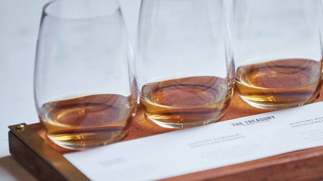 whisk(e) flight night, community event, fun things to do, state buildings, como the treasury, perth au, bar, whiskies, rare whisky, old whisky, treasure lounge and bar, alcoholic, glendronach distillery, ben greenham, scotch friendly snacks,