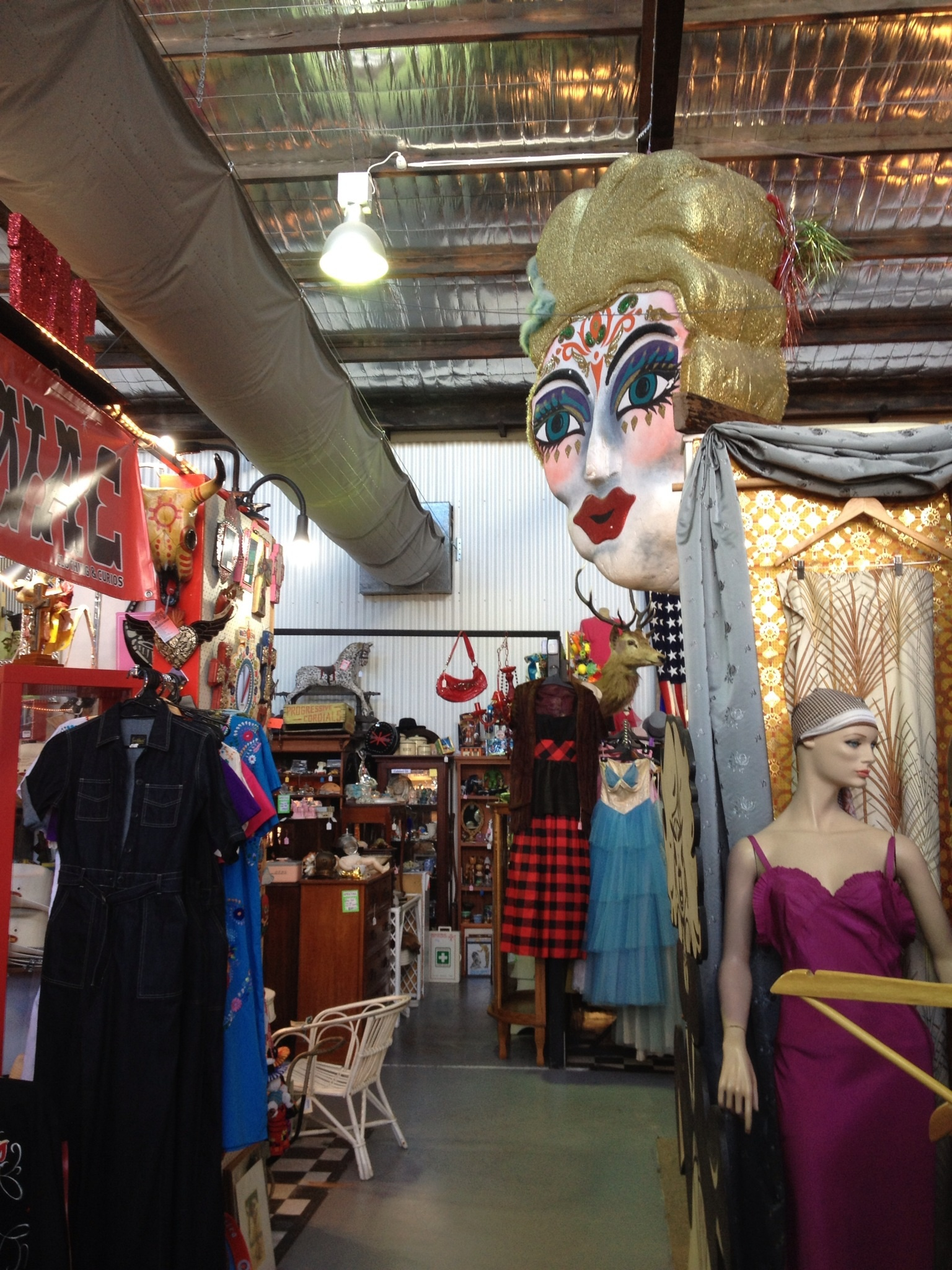 Woolloongabba antiques centre