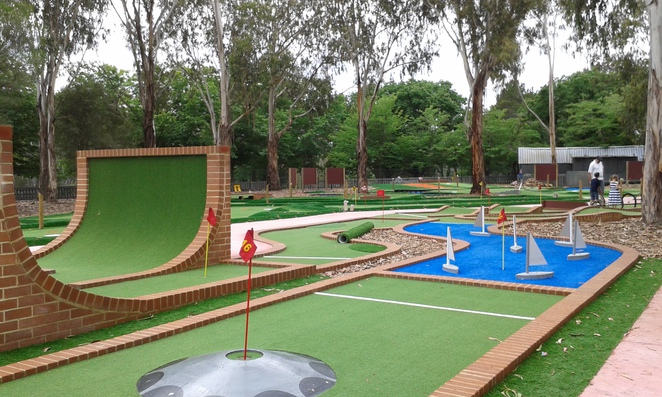 yarralumla plat station, weston park railway, mini golf, childrens parties, petting zoo, canberra, school holidays, family fun, kids activities,