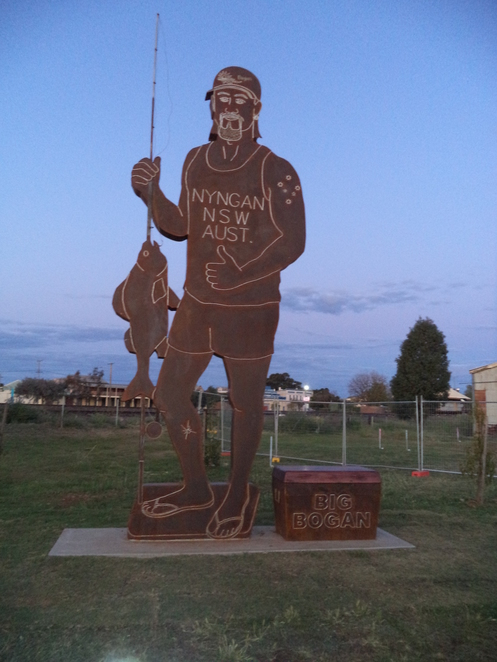 big bogan, big bogan nyngan, big things new south wales