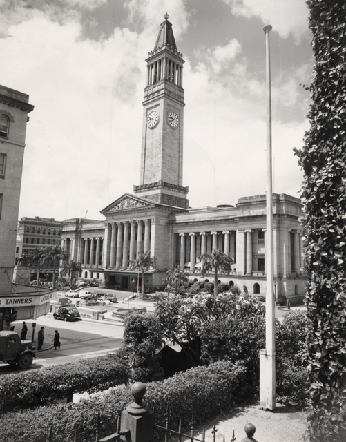Brisbane City Hall circa 1930 (Courtesy of Brisbane City Council)