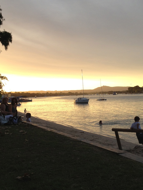 noosa river sunset, 10 things to do, noosa at night,