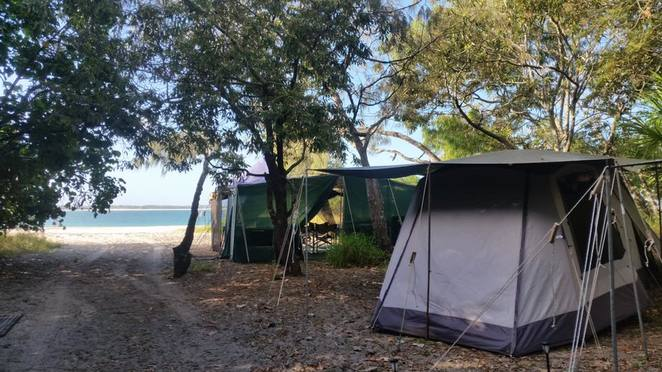 Top Five Glamping spots in and around Brisbane, camping, outdoors, glamorous camping, Rainbow Beach Ultimate Glamping, Fraser Island, Great Sandy Biosphere, self-contained, campfires, fishing, skydiving, surfing, sea kayaking, whale watching, pet friendly, Murphy's Creek Hideaway, Great Dividing Range, Toowoomba, ensuite bathrooms, beds, Lockyer National Park, Moreton Island Adventures Glamping, Bulwer, shipwrecks, snorkelling, Castaways Cafe, Alure Stanthorpe, Granite Belt, African safari tent, wildlife, Southern Downs, Queen Mary Falls, Girraween, Rivershore Resort, Diddillibah, Maroochy River, mutiple attractions, beach