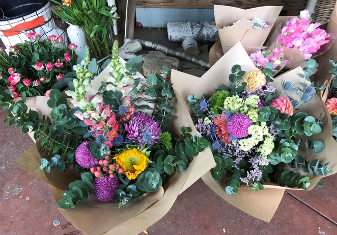 veda botanica, florist, flowers, healesville, yarra valley, shopping, gifts, bouquets, weddings,