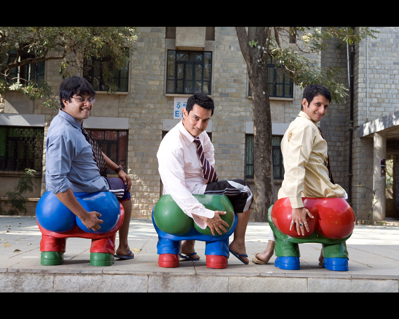 three idiots Yify yts - 3 idiots two friends are searching for their long lost companion they revisit their college days and recall the memories of their friend who inspired them to think differently.